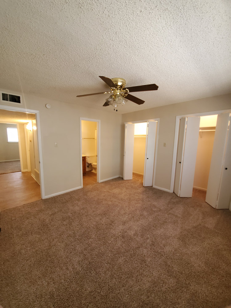 Spacious Floor Plan at Live Oak Apartments in Huntsville, Texas