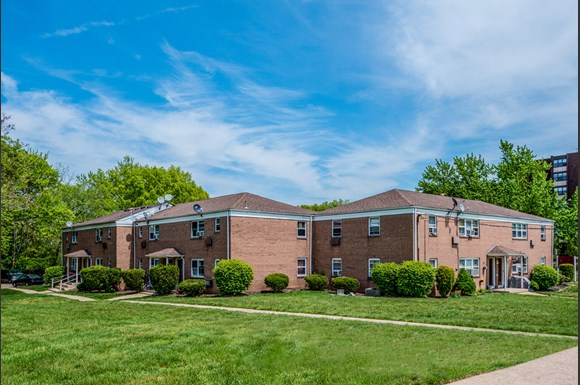 Lush Landscaping at Livingston Gardens Apartments in North Brunswick Township, New Jersey