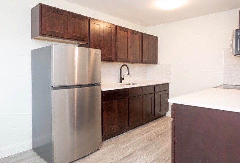 Equipped Kitchen at Livingston Gardens Apartments in North Brunswick Township, New Jersey