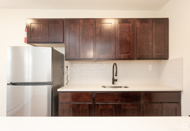 Ample Counter Space at Livingston Gardens Apartments in North Brunswick Township, New Jersey