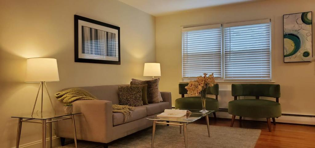 Windows with Blinds at Livingston Gardens Apartments in North Brunswick Township, New Jersey