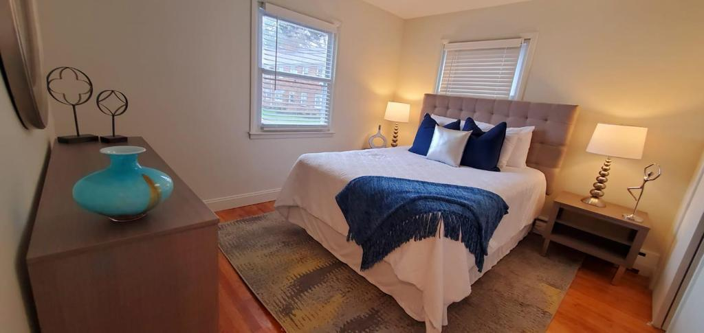 Bedrooms with Windows at Livingston Gardens Apartments in North Brunswick Township, New Jersey