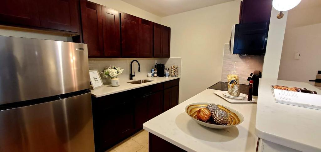 Stainless Steel Appliances at Livingston Gardens Apartments in North Brunswick Township, New Jersey