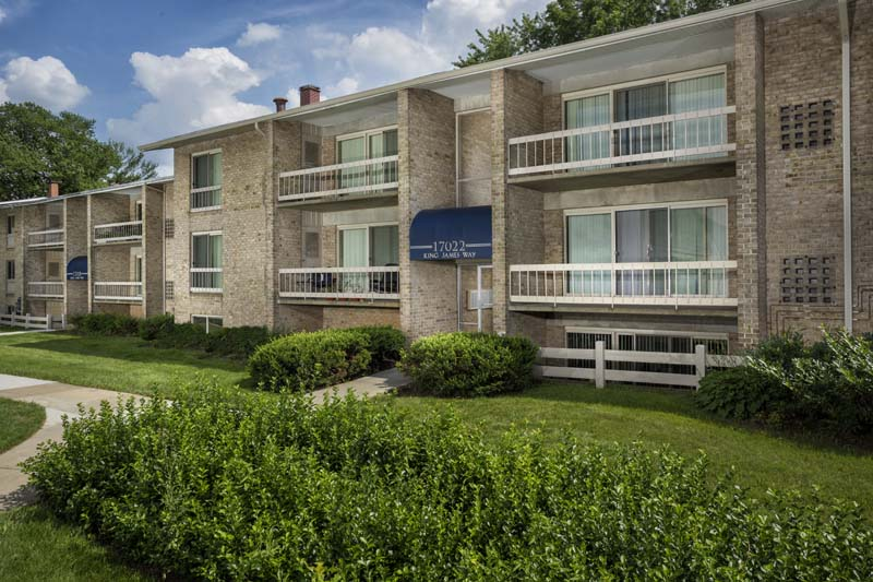 Covered balcony or patio at Londonderry Apartments in Gaithersburg, MD