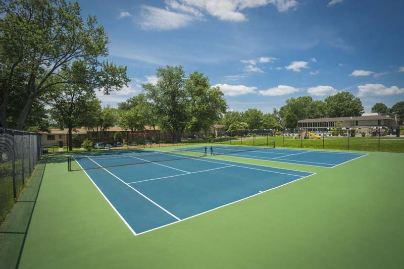 Tennis courts at Londonderry Apartments in Gaithersburg, MD