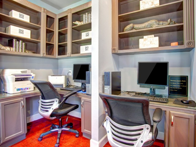 Business Center at Westmount at London Park Apartments in Houston, TX