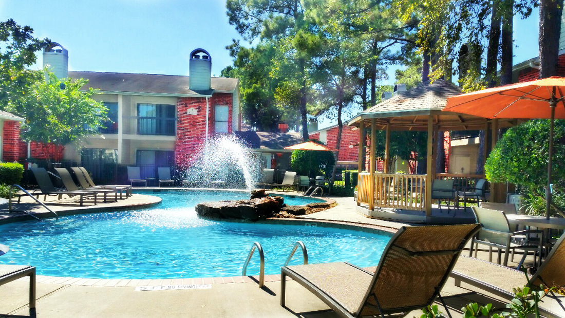 Resort-Style Swimming Pool at Westmount at London Park Apartments in Houston, TX