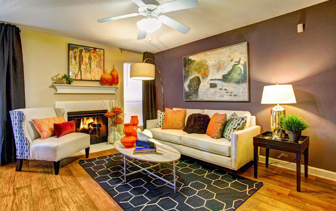 Spacious Living Room at Westmount at London Park Apartments in Houston, TX