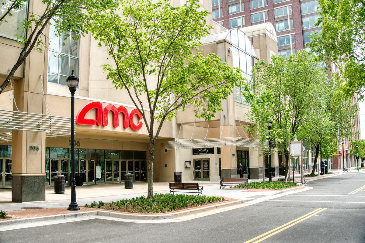 10 minutes to AMC Hoffman Center movie theater in Alexandria, VA