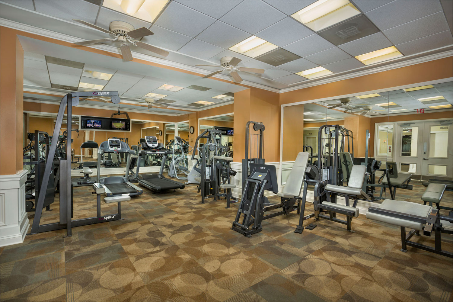 Fitness center at London Park Towers Apartments in Alexandria, VA