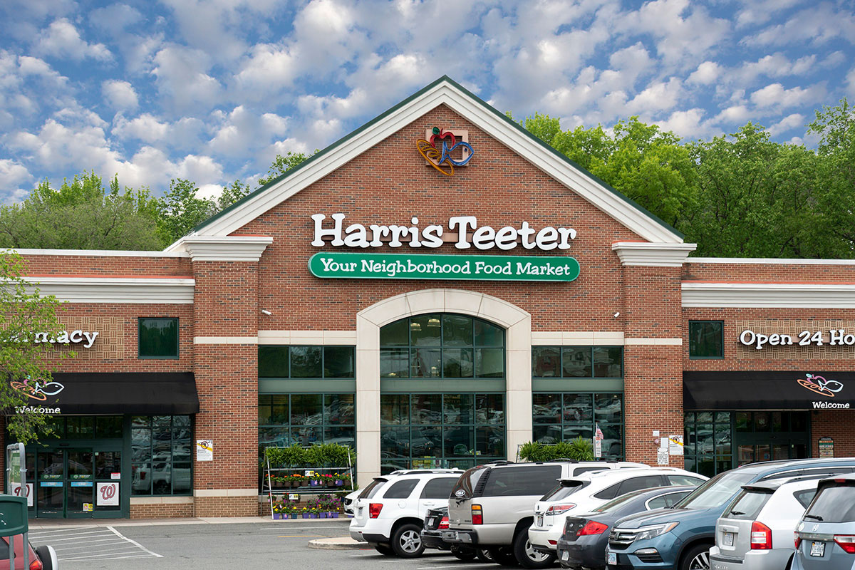 Harris Teeter is 5 minutes from London Park Towers Apartments in Alexandria, VA