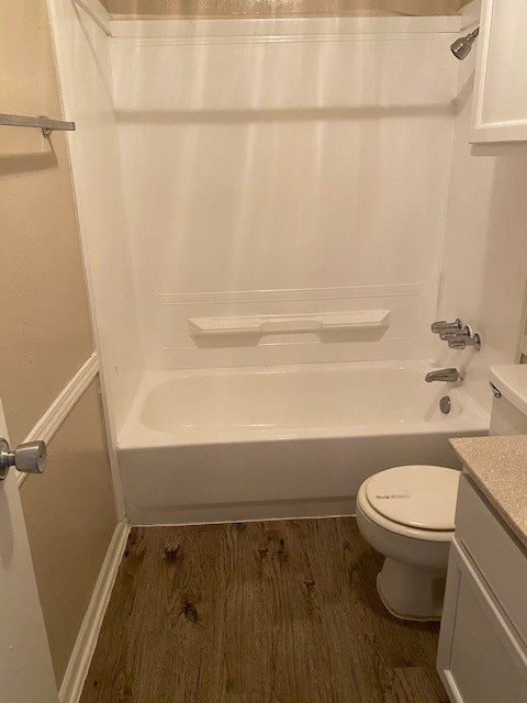 Tub and Shower Room at Magnolia Manor Apartments in West Columbia, Texas