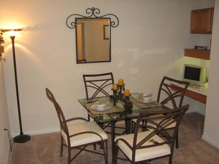 Dining Area at the Magnolia Pointe Apartments in Duluth, GA