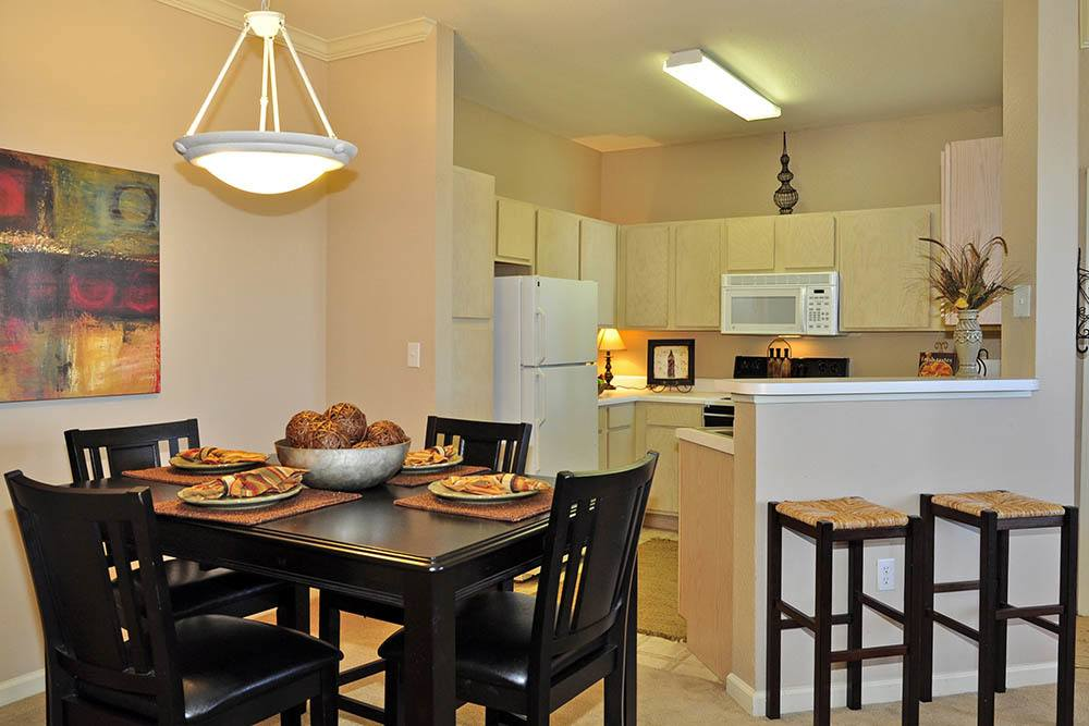 Dining Area at Magnolia Trace Apartments in Alexandria, Louisiana