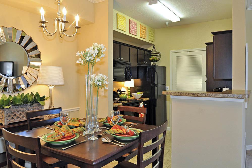 Luxury Apartments for Rent at Magnolia Trace Apartments in Alexandria, Louisiana