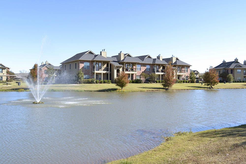 Private Lake at Magnolia Trace Apartments in Alexandria, Louisiana