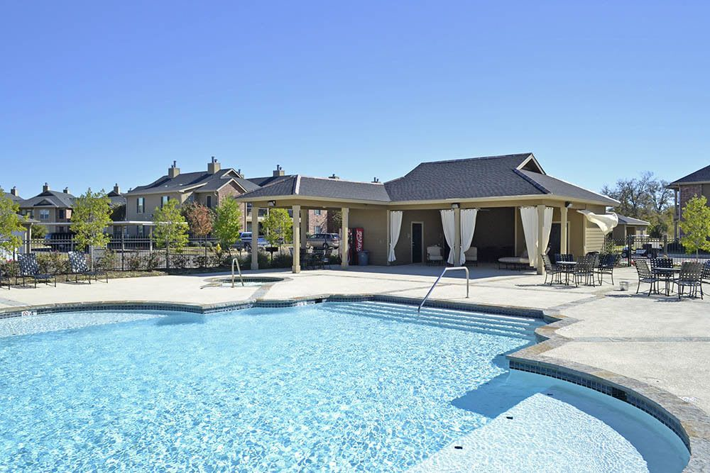 Swimming Pool at Magnolia Trace Apartments in Alexandria, Louisiana