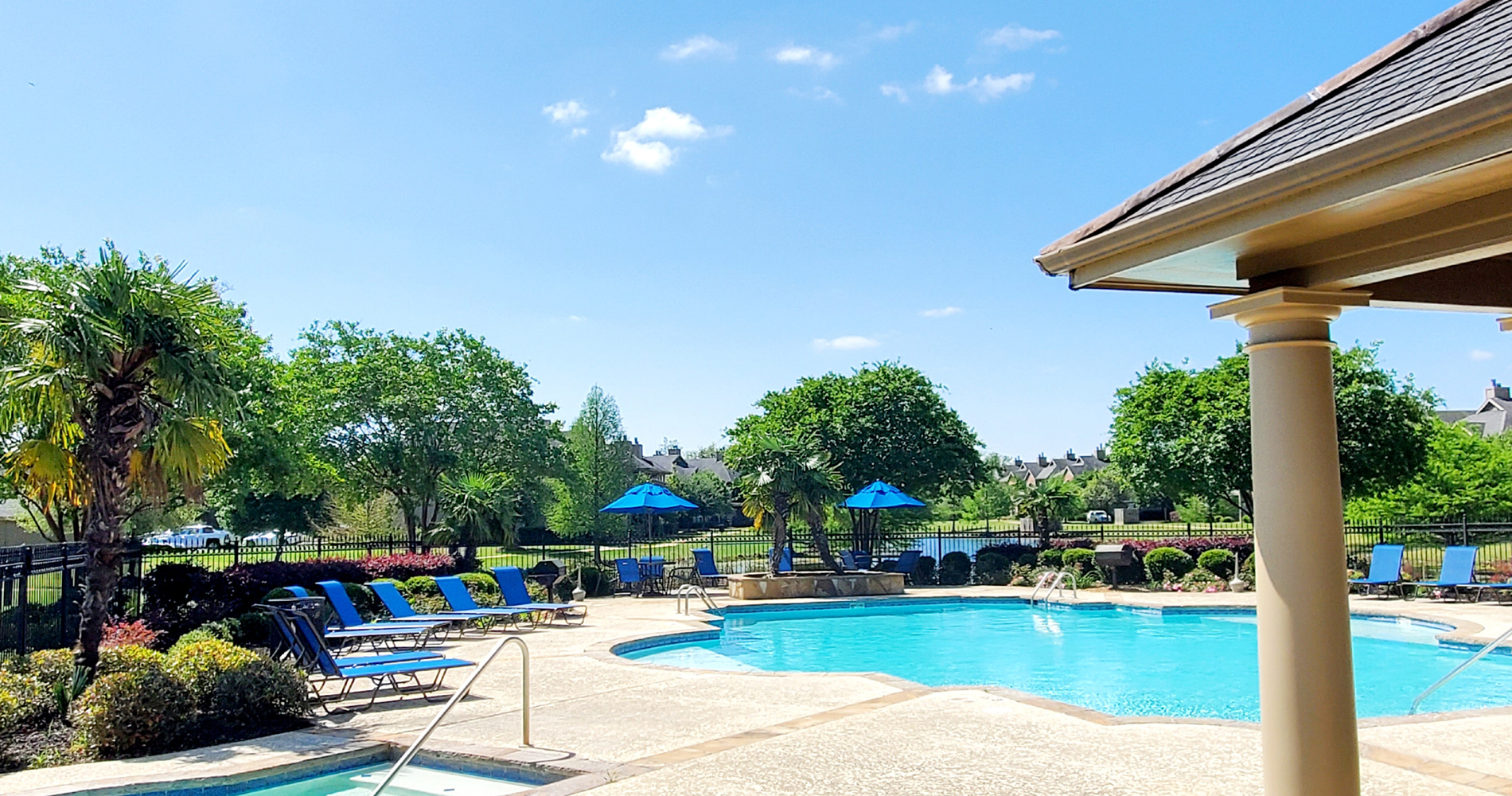 Resort Style Pool at Magnolia Trace Apartments in Alexandria, Louisiana