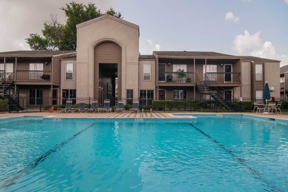 Sparkling Pool at Mainstream Apartments in Houston, TX