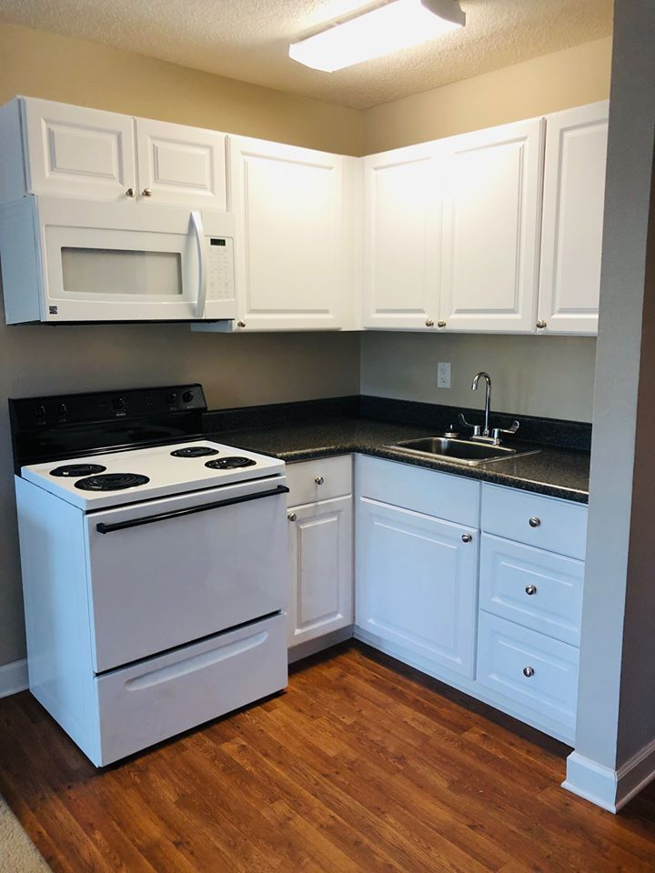 Microwave and Oven at Marigold Apartments in Mobile, Alabama