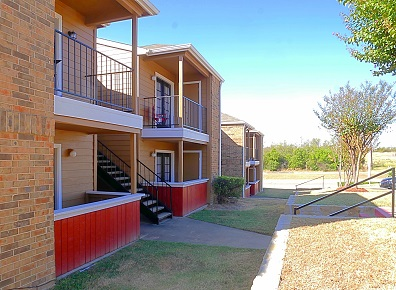 Pet-Friendly Apartments at Marine Creek Apartments in Fort Worth, Texas