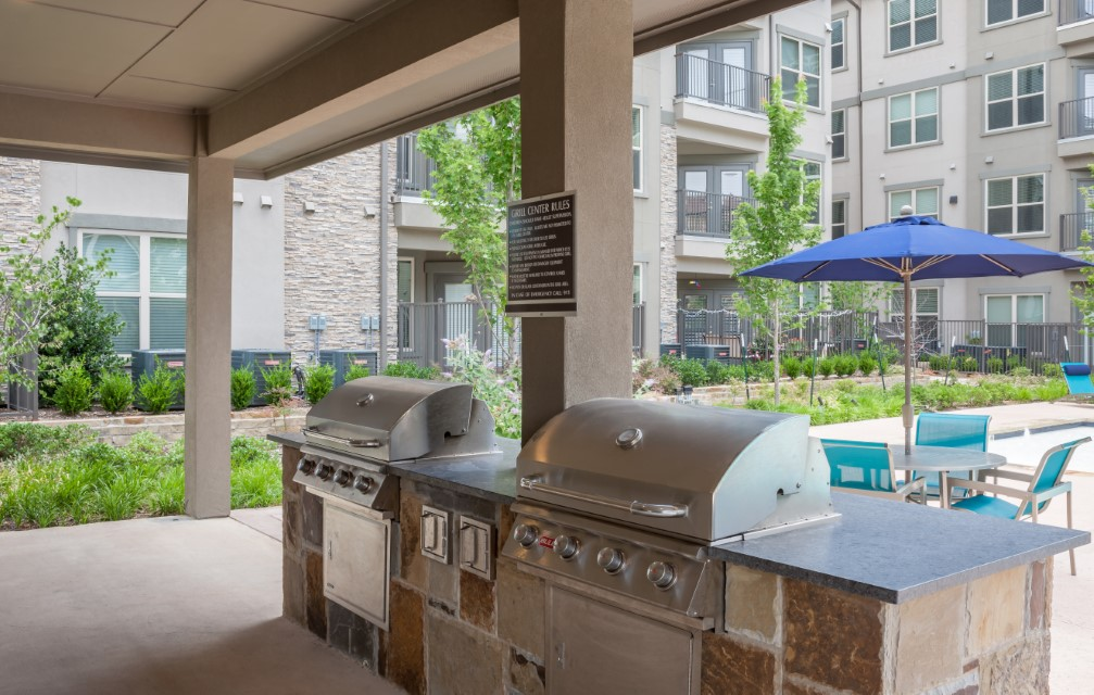 Grilling Station At McDermott 55 Apartments In Plano, TX