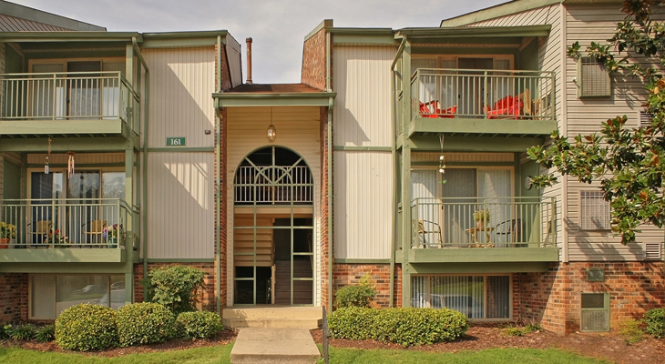 Exterior View at the Merrimac Crossing Apartment Homes in Williamsburg, VA