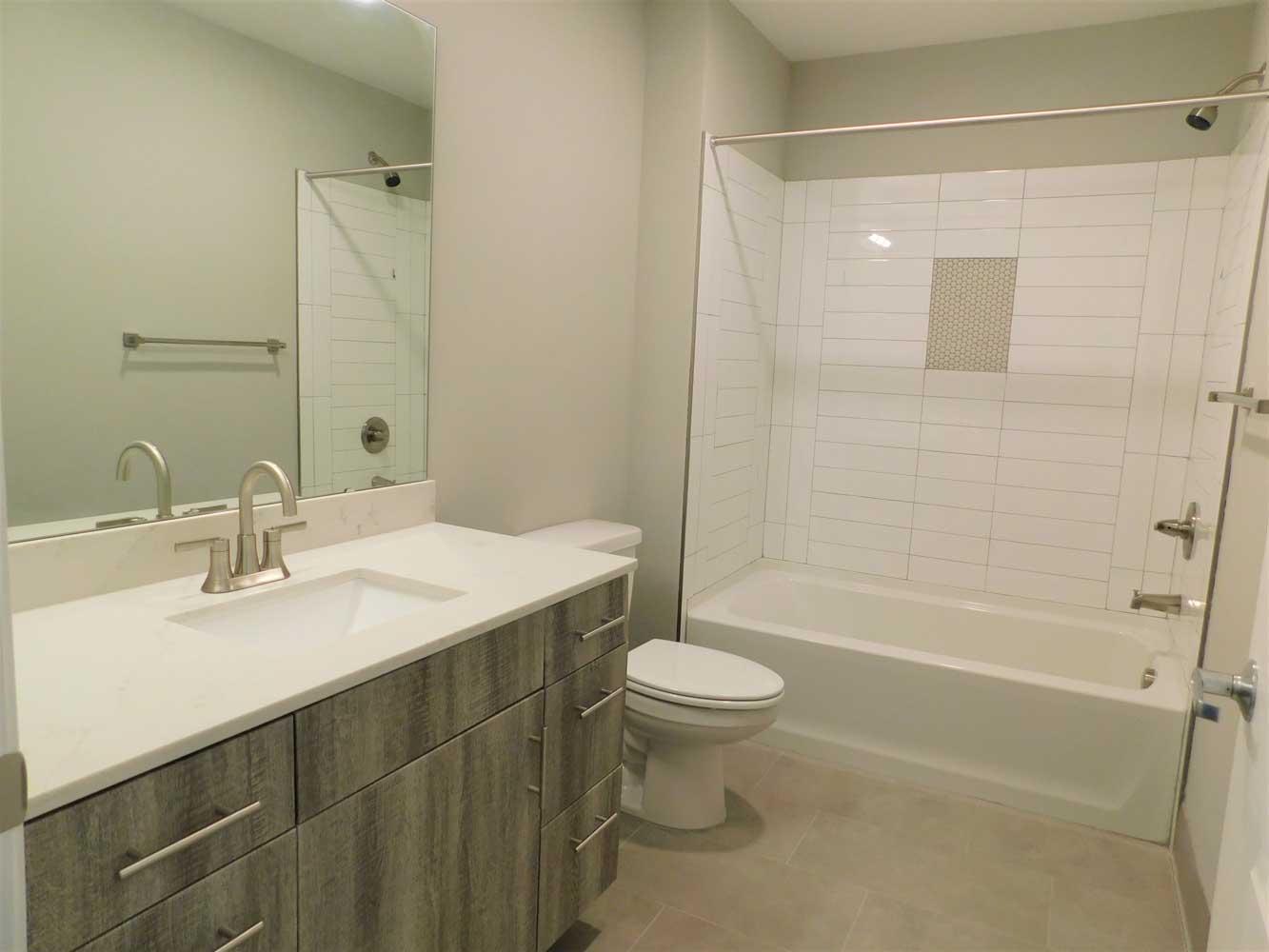 Shower and Tub at Midtown Plaza Apartments in Kansas City, MO