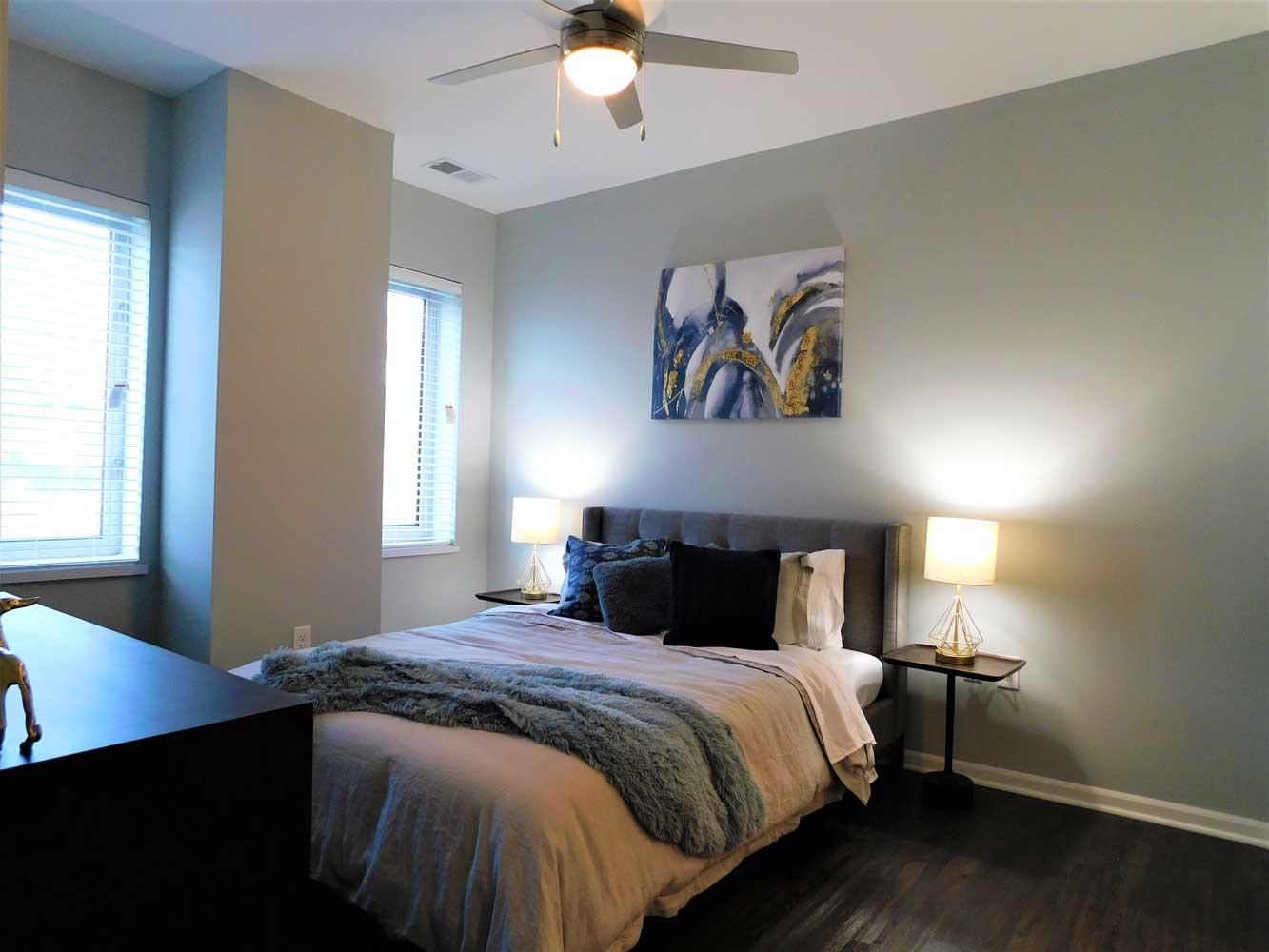 Bedroom at Midtown Plaza Apartments in Kansas City, MO