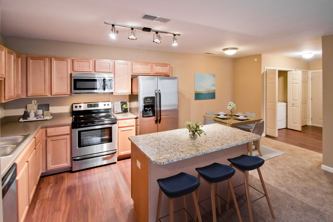 Apartments for Rent with Granite Countertops in Kitchens at Montclair Village in West Omaha, NE.