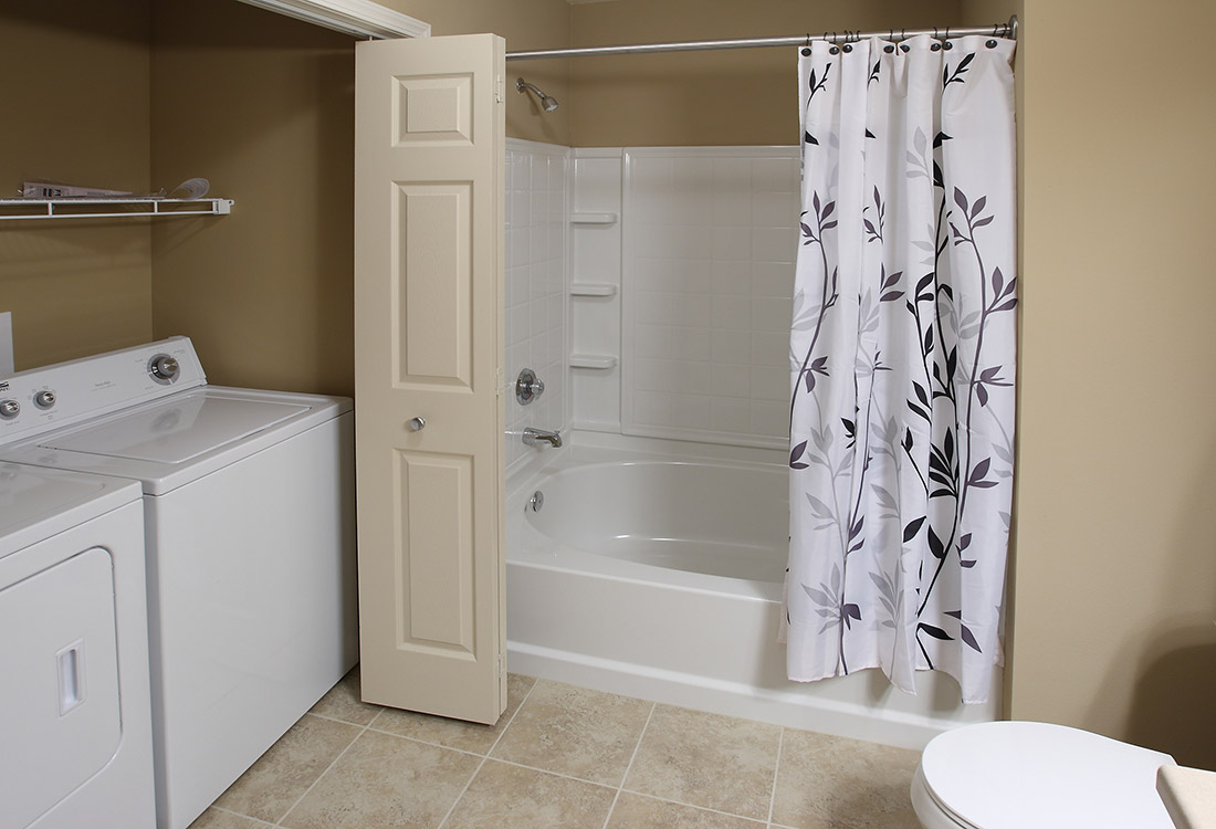 Large Bathrooms at Montclair Village Apartments in Omaha, Nebraska