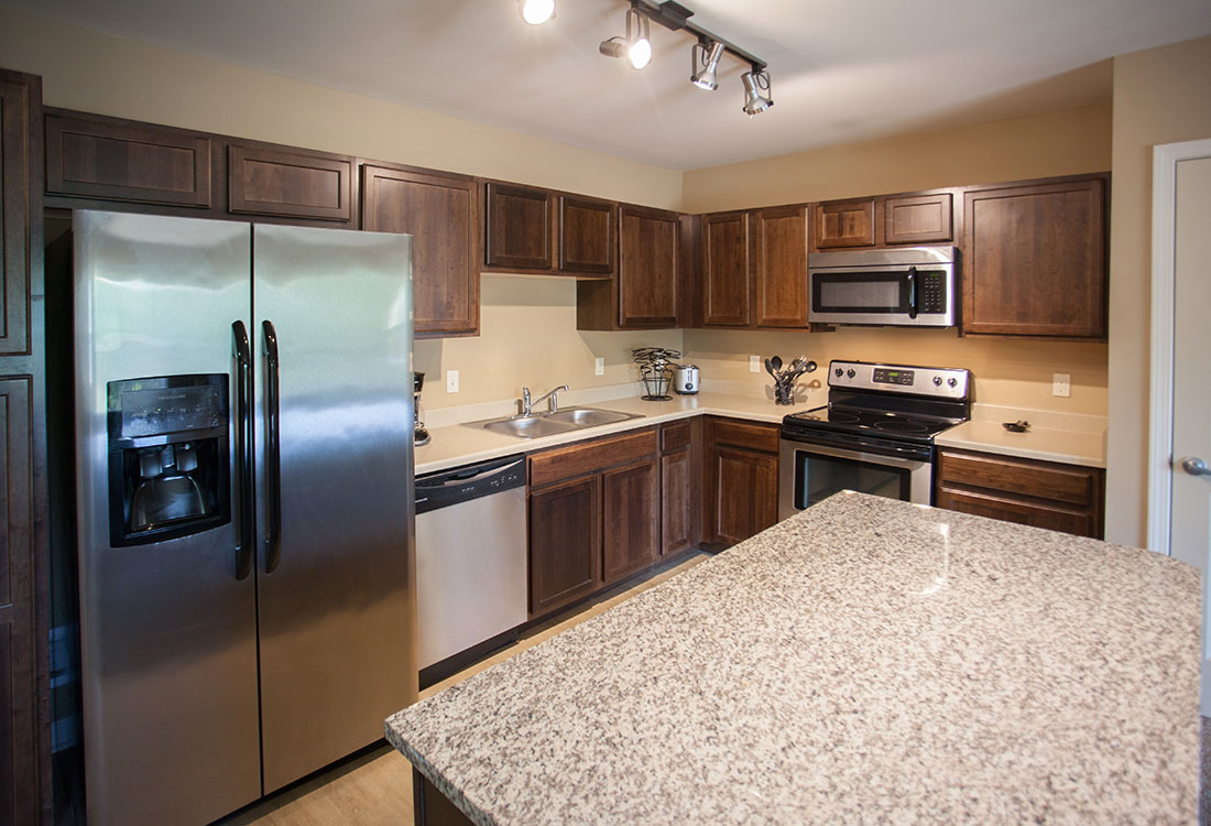 Stainless Steel Appliances at Montclair Village Apartments in Omaha, Nebraska