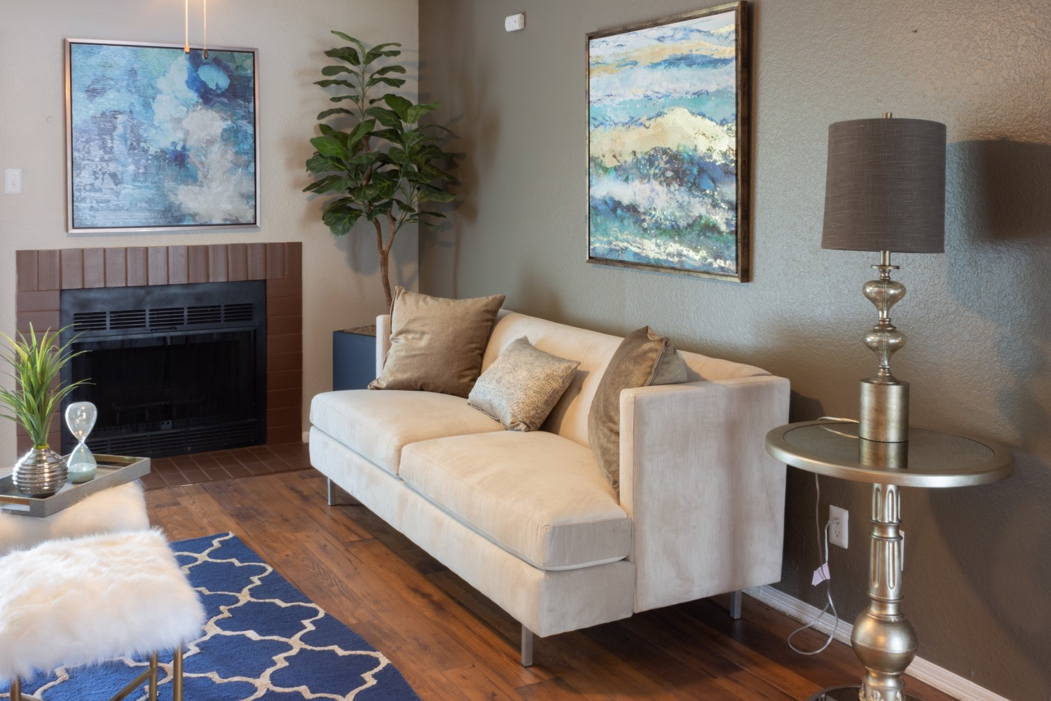 1 and 2-Bedroom Floor Plans for Rent at Montecito Creek Apartments in Dallas, Texas