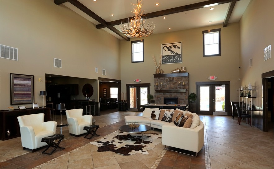 Lounge Area at the Mountain Ranch Apartments in Fayetteville, AR