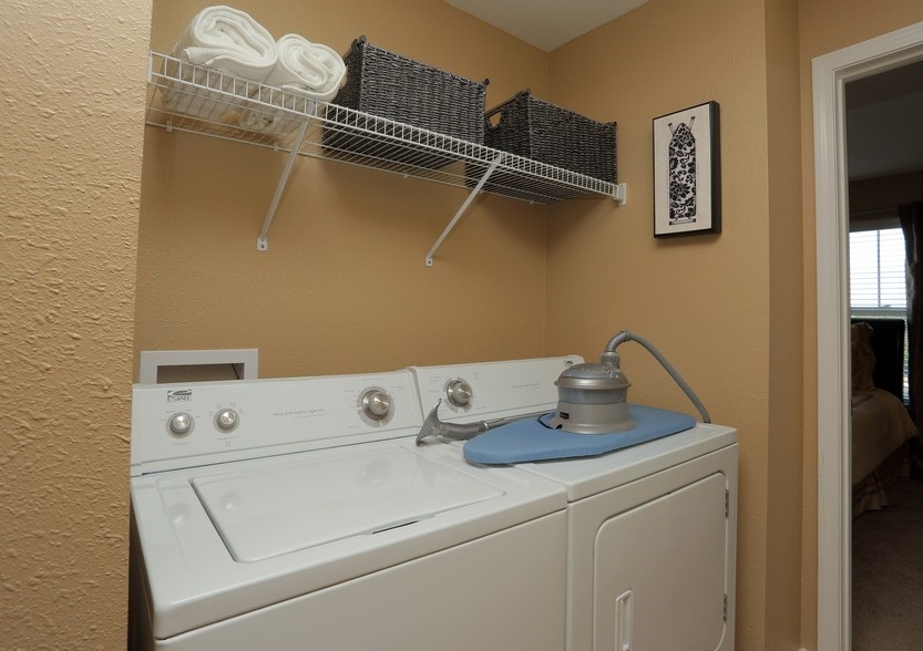 Laundry Room at the Mountain Ranch Apartments in Fayetteville, AR