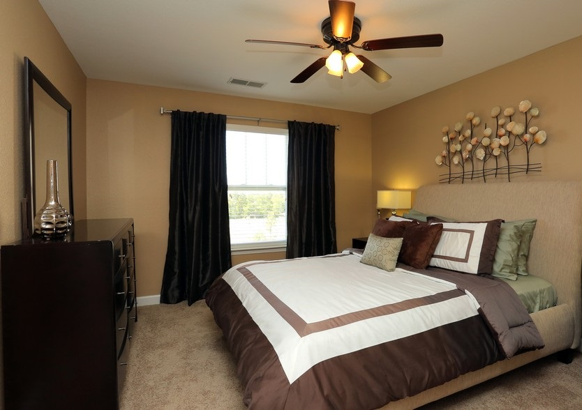 Bedroom Interior at the Mountain Ranch Apartments in Fayetteville, AR