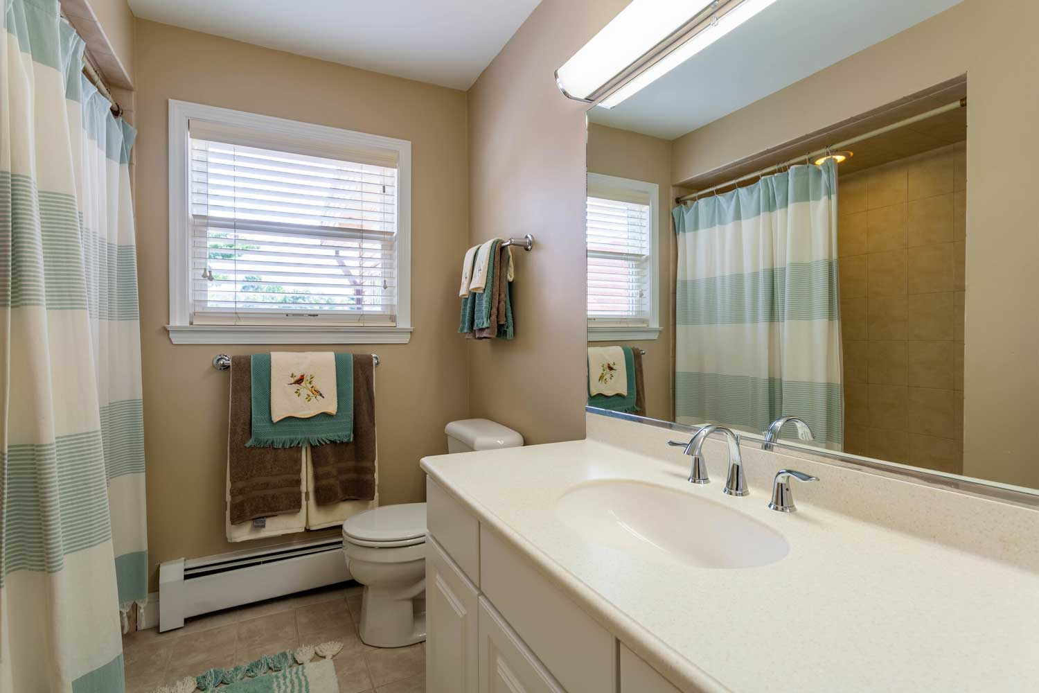Shower at Mountainview Gardens Apartments in Fishkill, NY