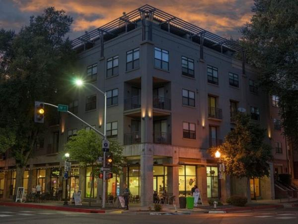Walker & Dunlop Provides $75 Million in Bridge Loans for Two Large Multifamily Repositioning Projects