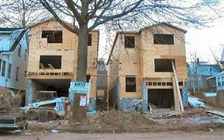 Housing Construction Rises 0.5%