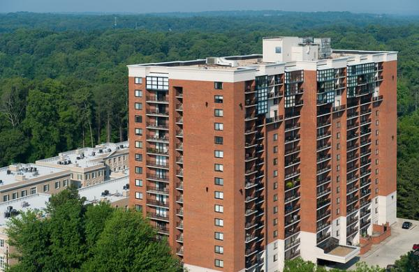Waterton Acquires 236-Unit High-Rise Apartment Community in Trendy Buckhead Neighborhood