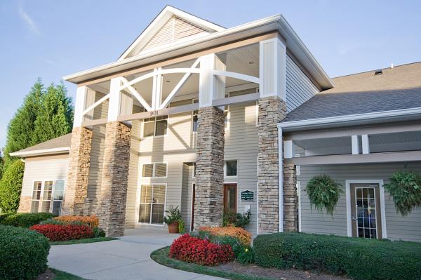 Waypoint Residential Acquires Student Housing Community Serving University of North Carolina