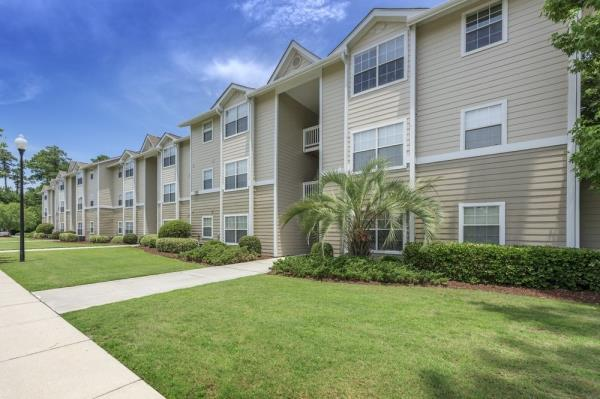Hamilton Zanze Acquires 248-Unit Abbotts Run Apartment Community in Alexandria, Virginia