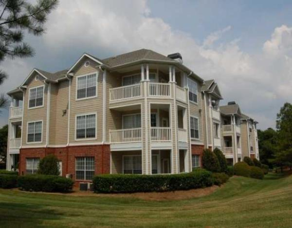Waterton Purchases 426-Unit Addison Park Apartment Community in Charlotte, North Carolina