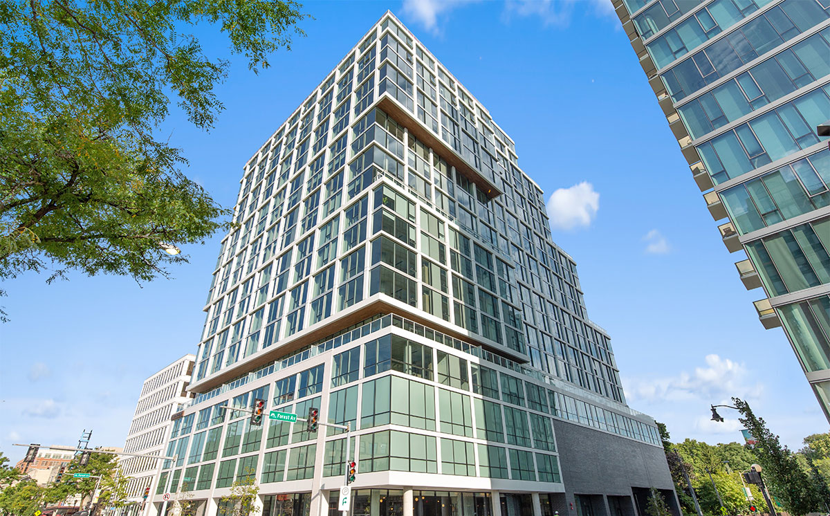 Albion Residential Completes Luxury High-Rise Apartment Development in Illinois