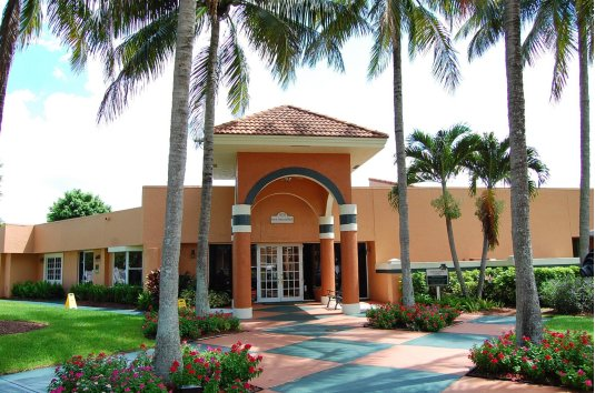 Mill Creek Acquires 448-Unit Emerald Bay Club Apartment Community in Boca Raton, Florida
