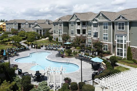 Inland Real Estate Acquires 304-Unit Alta Legacy Oaks Apartment Community in North Carolina