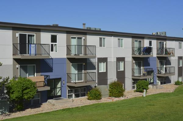 Inland Real Estate Acquisitions Closes Purchase of 322-Unit Multifamily Community in Denver Suburb