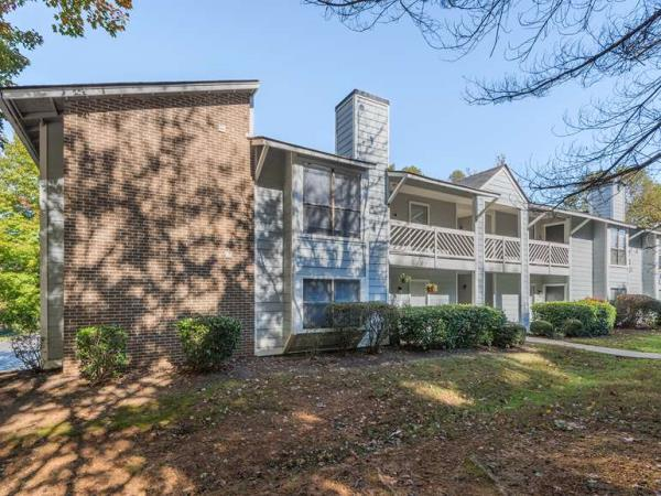 Eller Capital Partners Acquires 288-Unit Ashton Oaks Apartment Community in Winston-Salem Market