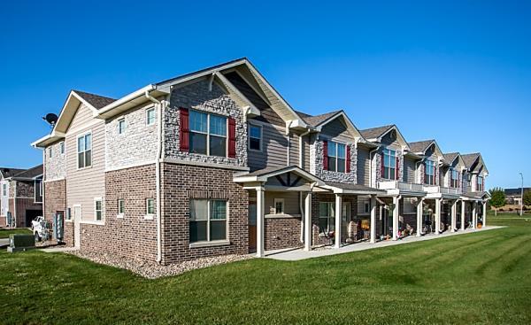 Four Mile Capital Enters the Des Moines Market with Acquisition of 222-Unit Aspire Townhomes