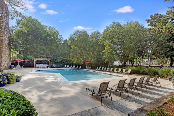 StoneBridge Investments Acquires 200-Unit Avia East Cobb Apartment Community in Atlanta Suburb